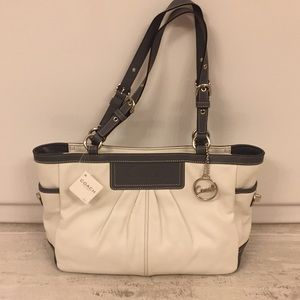Coach East West Pleated Gallery Purse